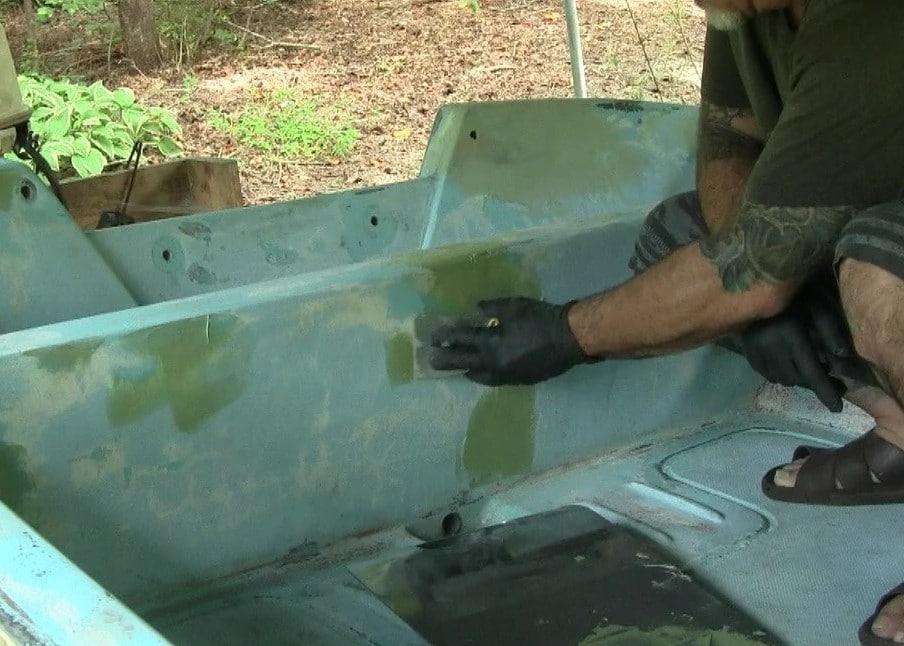 Applying Gelcoat repair fairing compound