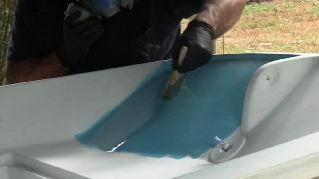 Rolling and tipping Marine Paint Horizontal Tip